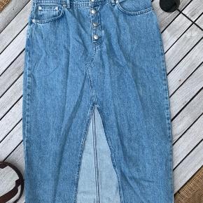 Helt ny cowboy nederdel aldrig brugt :) Kan prøves i Kolding og København