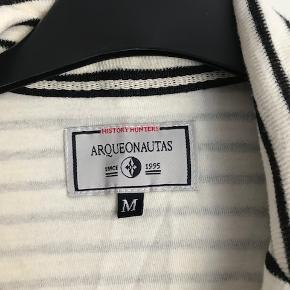 mærket Arquenautas - lækker bekvem jersey jakke/cardigan - pæn og behagelig, aldrig brugt, byd :-)