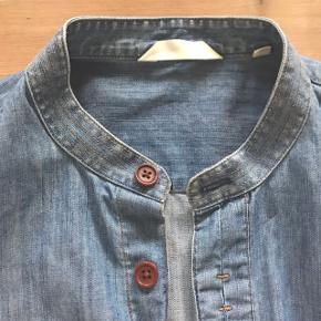 Fed cowboyskjorte fra NN07 i str. Medium. Køb billigt: 150 kr.  Ny pris: 899 kr.