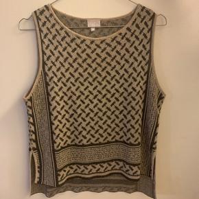 Sælger den her super lækre lala Berlin trøje  Str s Cond 8 Intet medfølger  Mp 400