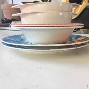 Petit jour Paris Peter Kanin spisesæt sælges—kun brugt et par gange, i fin stand  En tallerken er solgt 30kr pr stk  Prisen er ekslusive fragt :) Bytter ikke