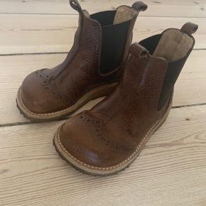 Rigtig fine brune støvletter. GMB.