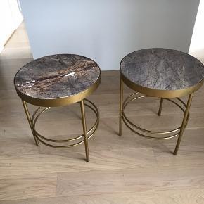 Sideborde fra Nordal med marmorbordplade købt til 2395 kr. Stykket. Pris nedsættes, hvis de købes samlet. Diameter på 50 cm.