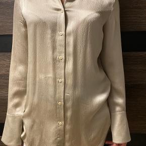 Skjorte i silkeblanding