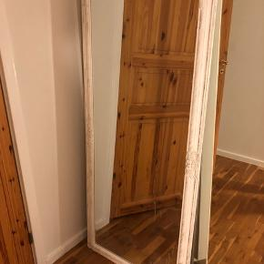 Fint spejl fra Jysk 73x162 hvid
