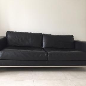 Sort læder fra ide møbler
