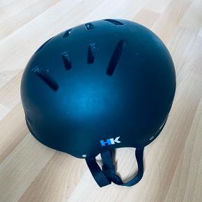Abus cykelhjelm med HK logo. Str 58-62