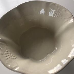 Fin stor porcelæns skål