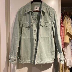 Lækker jakke der kan bruges som blazer/jakke