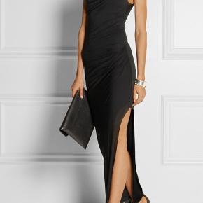 OBS kjolen er NAVY!