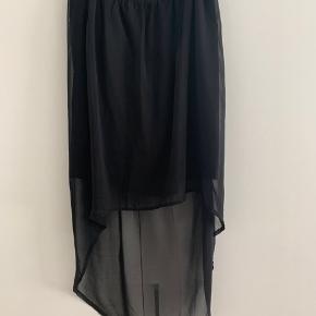Fin nederdel - kort foran - lang bagtil