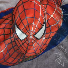 Super fin spiderman t-shirt str. 4-5 år Ca. Kan hentes Århus midtby