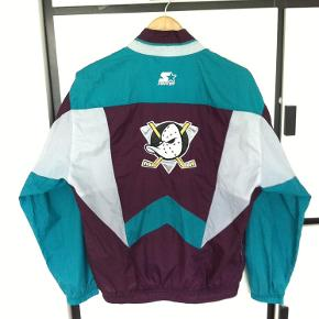 Vintage Mighty Ducks track jakke. Størrelse XL men passer M/L