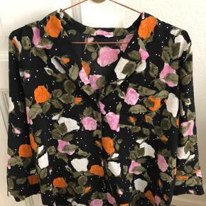 Sød skjorte med blomster Enapollo med 3/4 ærmer