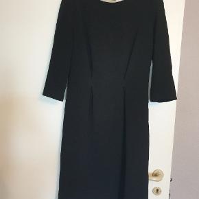 Flot kjole fra Christian Dior str s bælte følge med