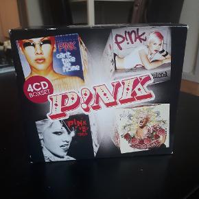 """4 pak med følgende pink cd'er: """"Can't Take me home"""" """"Missundaztood"""" """"Try This"""" """"I'm not dead""""  Sælges for 10 kr"""