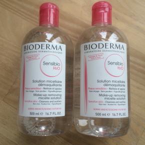 Helt nye og uåbnede Bioderma makeupfjerner / rensevand. 500 ml i hver. Holdbarhed til januar 2021. Kan afhentes på Østerbro i København, men jeg sender også gerne.  Skriv gerne på 20835699 ved interesse:) Prisen er fast.