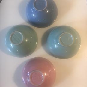 Fine skåle fra plint, gode til morgenmad, servering og mange andre formål Pris for alle fire