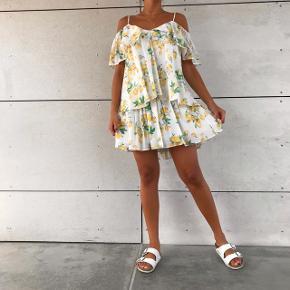 Smuk citron kjole 💛💛 den er helt ny med mærke i