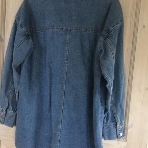 H&M oversize denim skjorte - Brugt få gange - str XS/S