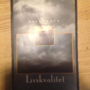 Varetype: bogStørrelse: - Farve: -  Søren Ventegodt: Livskvalitet, paperback, slidt på coveret. 30kr Kan hentes Kbh V eller sendes for 40kr