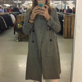 Lækker jakke fra Minimum. Brugt få gange. Byd gerne:)