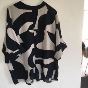 Weekday bluse skjorte, str xs, passes af alt fra xs-l