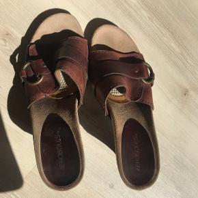 Fede arosoles sandaler, brugt 2 gange ægte skindsko byd.