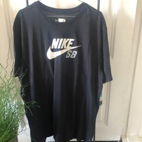 Nike Skateboard T-shirt  Aldrig brugt
