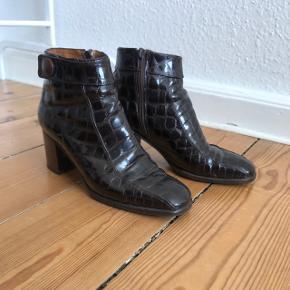 Retro skind støvler.