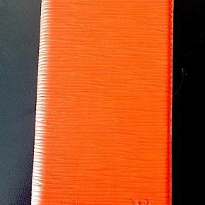 Louis Vuitton Iphone case i rød epi læder, passer til Iphone 6-7-8 og X-Xs, aldrig brugt, fejlkøb.