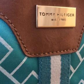 Flot og farverig taske perfekt til sommer!  Køber betaler fragt