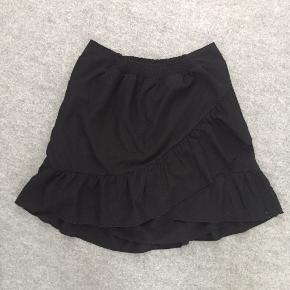 Neo noir nederdel, super sød og lækker kvalitet