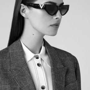Super flotte solbriller, brugt få gange og uden synlige brugsspor.