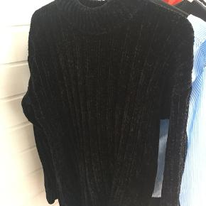 Tyk sweater i blødt materiale