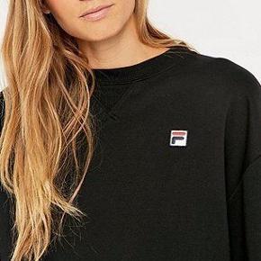 Sort sweatshirt fra Fila str XS! np: 500 kr