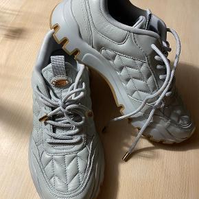 Uterqüe sneakers