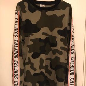 Sweater fra Jack & Jones i camo. Næsten ikke brugt, vasket få gange