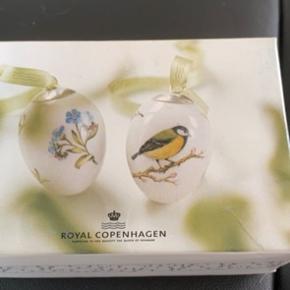 Royal æg 2 stk i dobbeltæske som nye med rede og bånd  2 stk æg i dobbeltæske mål 6 cm   2009 FOR GLEMMiG EJ/MUSVIT (1249 777) Sender + Porto