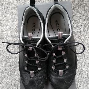 Ecco sko brugt et par uger. I god stand.