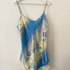 Vintage slip kjole. Virkelig lækkert materiale