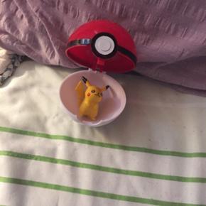 Pokemon Ball med stor Pikcahu.Koster 79 kr med fragt eller kan hentes i Herning for 60 kr