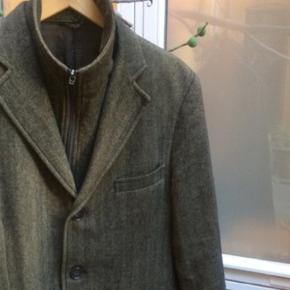 Aquaviva jakke med aftagelig krave. I fin stand