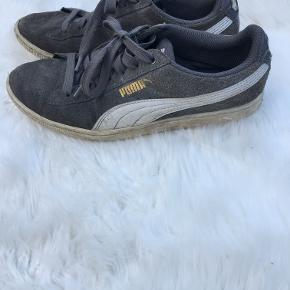 sko ret slidt så sælger billigt  Puma sko 50 kr  Lak sko 35 kr