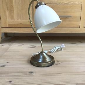 Retro bordlampe i pænt stand Fungerer perfekt og er i pænt stand