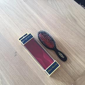 Ny hårbørste fra Mason Pearson    Se mine andre annoncer for godt tilbud ved køb af flere