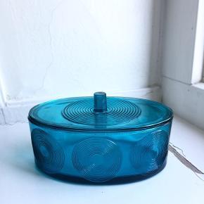 Skøn bonbonniére / Glass Jar / Container 🍬🍬🍬 // 275,- Afhentes i Valby eller afsendes for 49,-.