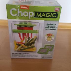 Chop Magic rivejern. Stadig i æske.  Gør madlavningen sjovere og nemmere med dette smarte rivejern.  Slået op flere steder