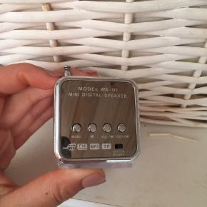 Sælger denne ubrugte højtaler for 10kr