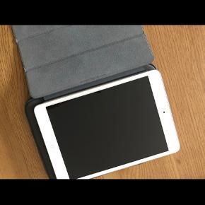 iPad mini (ultimo 2012). 64GB. Ingen ridser eller lign. Omslag og cover følger med i prisen. Køber betaler fragt.